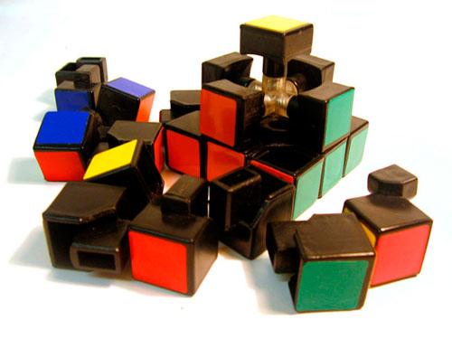 Разобранный кубик Рубика<br /><br />