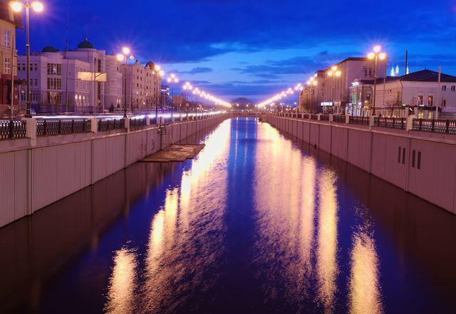 Ночные фонари, вода