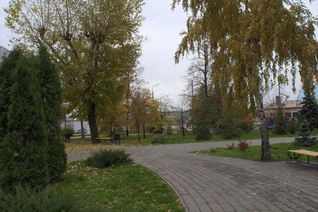 Городской парк в упадке